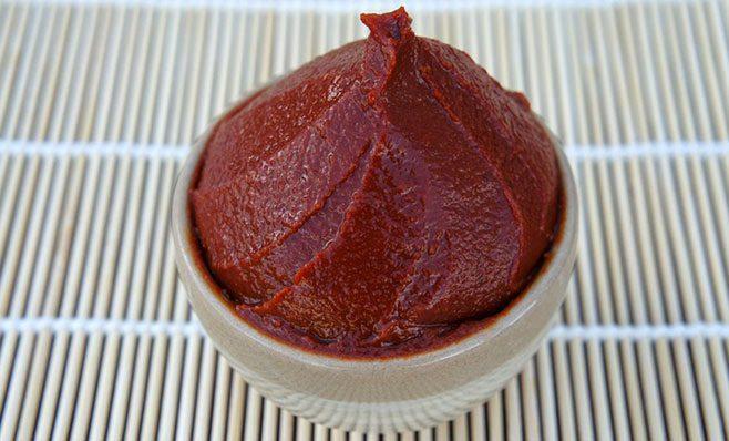 Pasta sojowa miso jako bardzo zdrowy dodatek diety.